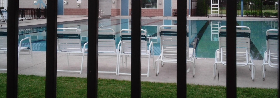 banner-pool-fencing
